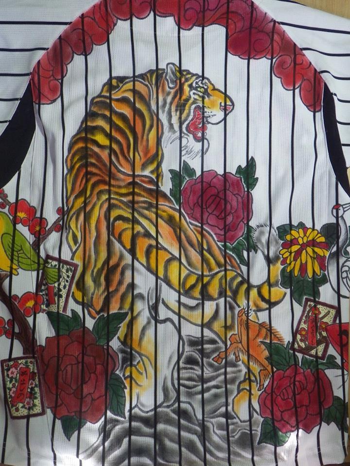 阪神タイガース 手描きユニフォーム 虎と花札