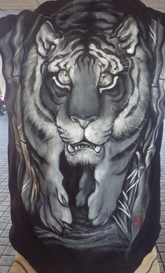 阪神タイガース 手描きユニフォーム 超特大虎