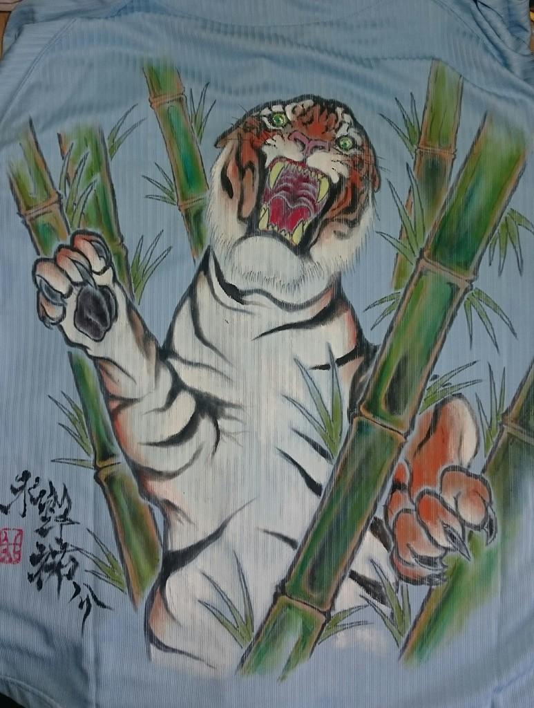 阪神タイガース 手描きユニフォーム 立ち虎