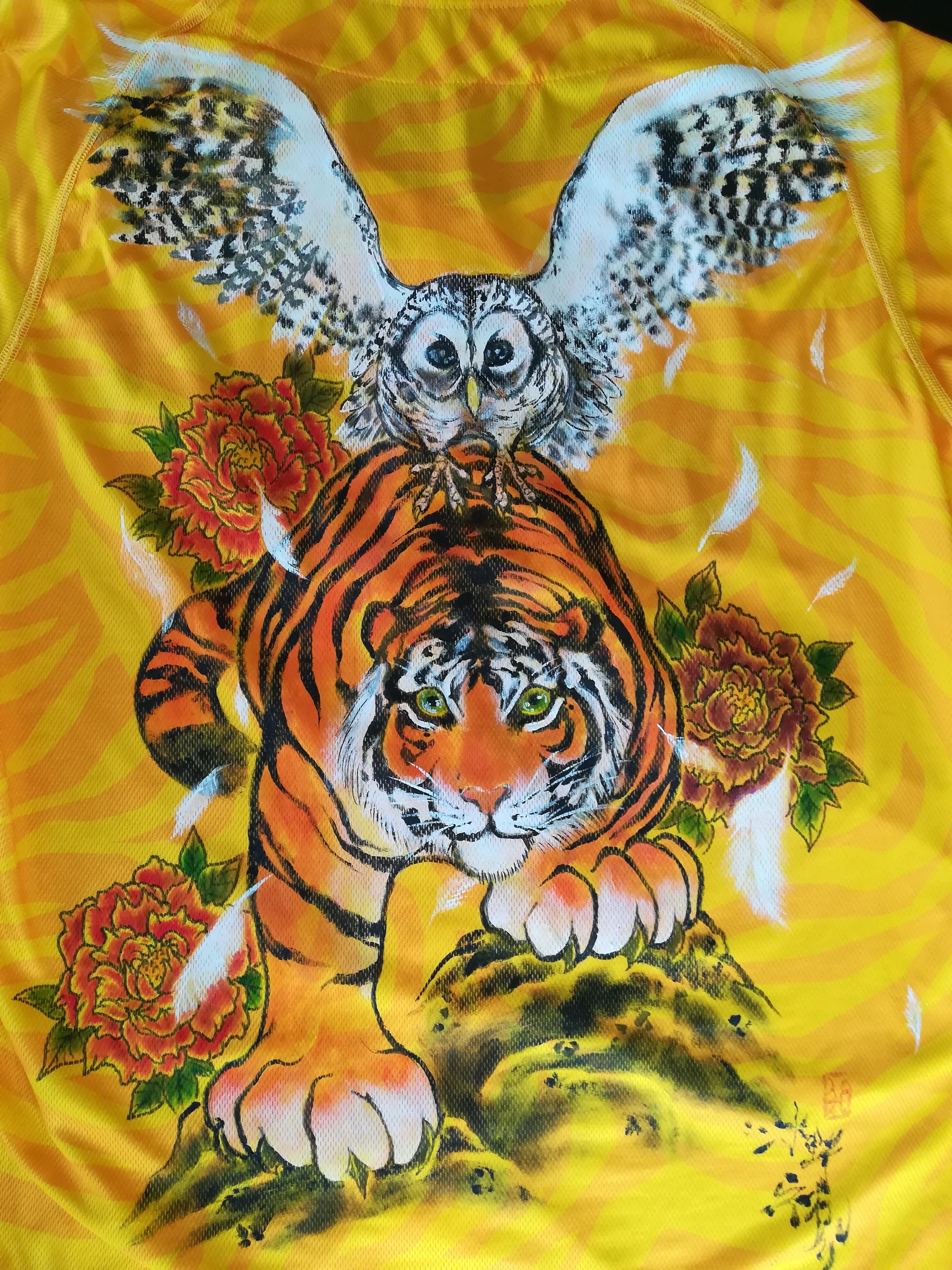 阪神タイガース 手描きユニフォーム 虎と梟